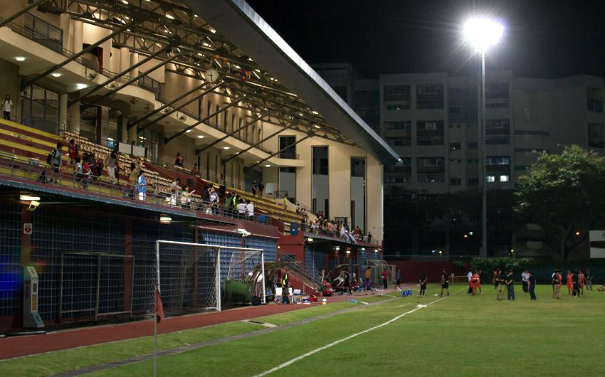 Jurong East Stadium nach dem Schlusspfiff